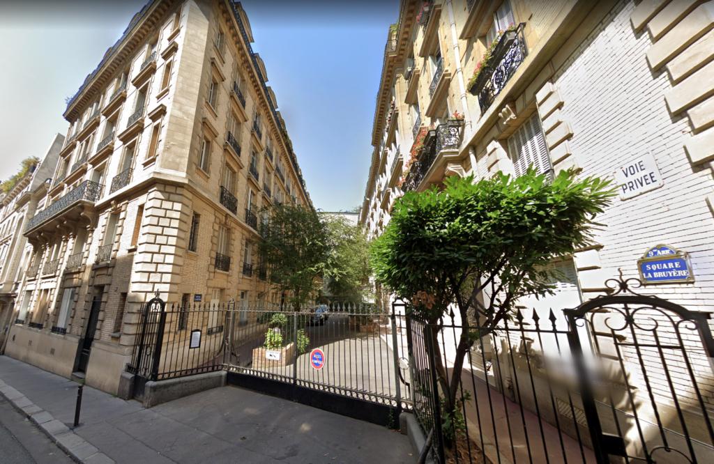 Le Square la Bruyère à Paris-L'appartement oublié de Marthe de Florian-La Rue Des Dames-Annabel-Gaelis Editions